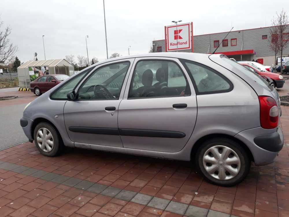 Auta z Insolvence / od Státu - Prodej osobního automobilu Citroen Xsara Picasso, 1.6i